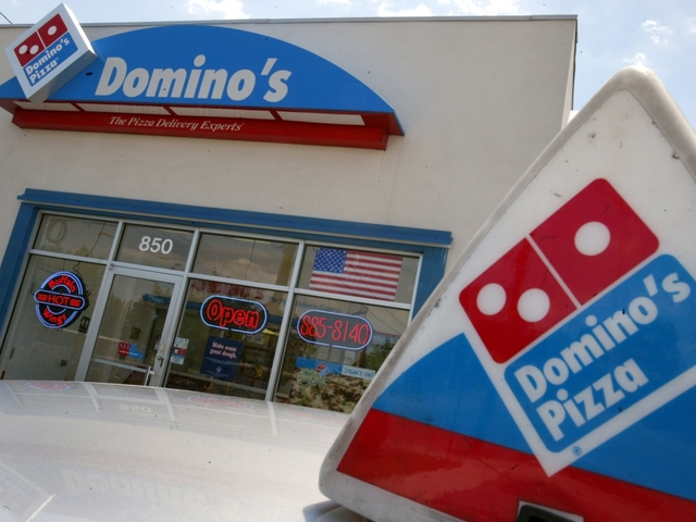Woman finds 1000s of dollars in Dominos Pizza box ...