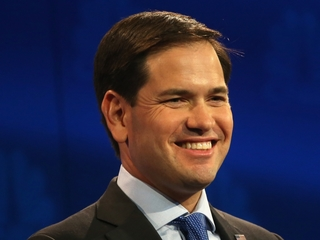 Marco Rubio bites into Twix, breaks tooth