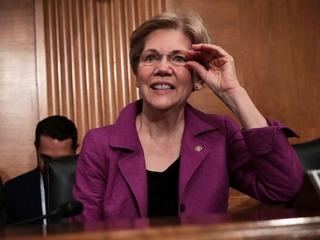 Elizabeth Warren blasts Donald Trump on Twitter