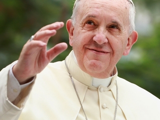 Pope says Christians should apologize to gays