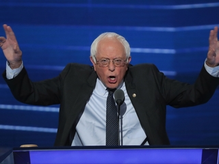 Sanders asks delegates to support Clinton