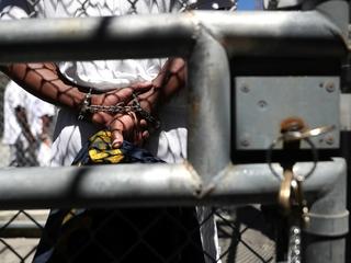 Virginia restores ex-prisoners' voting rights