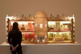 Check out gingerbread replica of Downton Abbey