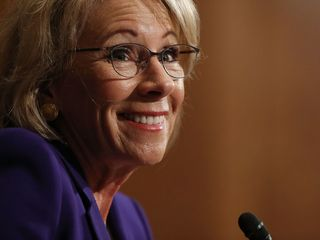 DeVos advocates for school choice in Indy