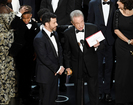 Faye Dunaway goofs, names wrong Oscars winner