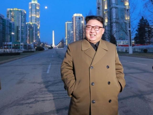 North Korea may be capable of sarin-loaded missiles, Japanese PM warns
