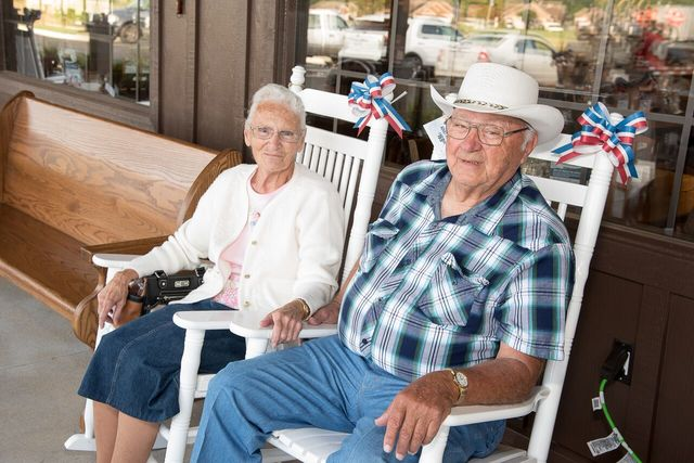 Couple visits every Cracker Barrel in America