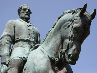 Charlottesville covers statue in black
