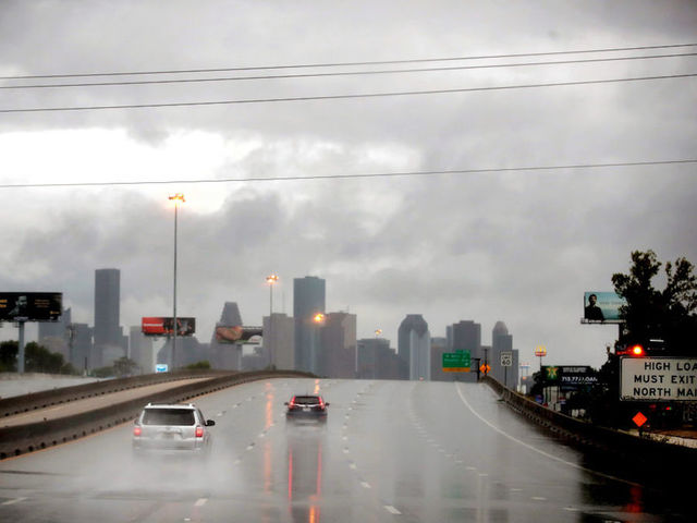 Hurricane Harvey: Houston Imposes Overnight Curfew to Fight Looting, Break-Ins, 'Lowlives'