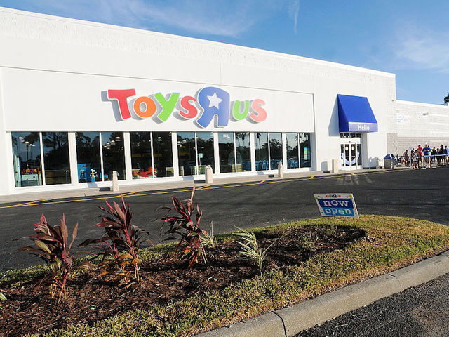 Bankruptcy 'R' Us -- Toys retailer files for chapter 11