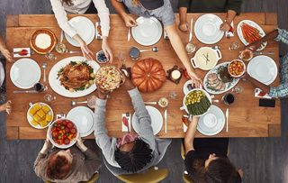 5 tips for making Thanksgiving dinner cheaply