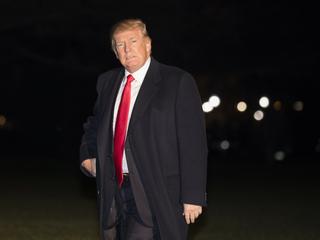 Two senators call for Trump's resignation
