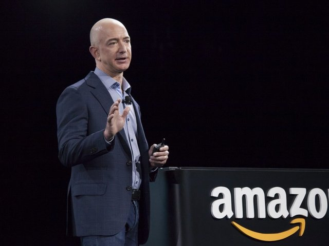 Bezos Donates $33 Million to Dreamers' Scholarship Fund