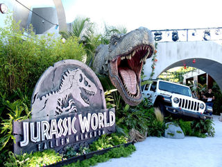 'Jurassic World': $700M at global box offIce