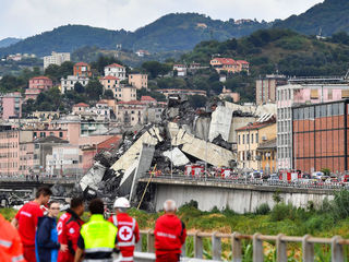 Photos: The Morandi Bridge collapse in Italy