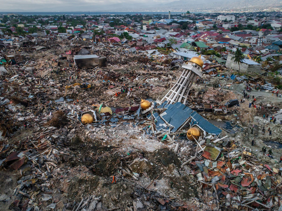 Indonesia Earthquake More Than 5 000 People Could Still